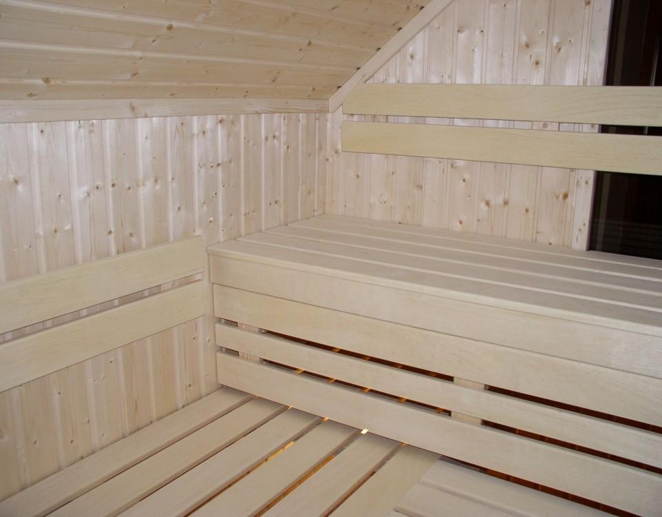 sauna-na-poddaszu-skosy