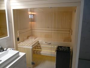 szklany front sauny
